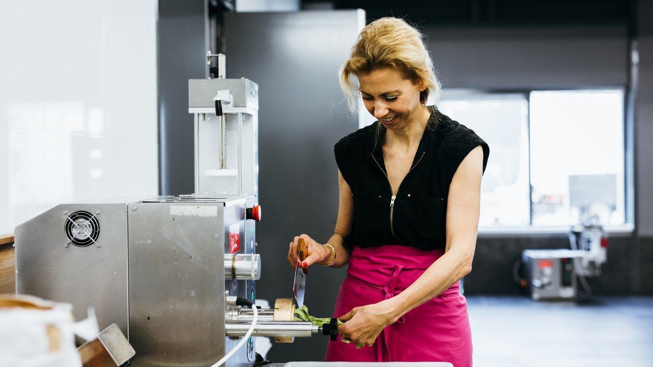 Mini pastificio con macchina combinata per pasta fresca 4 in 1